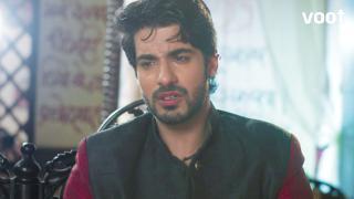 Shocker: Raghu signs the divorce papers!