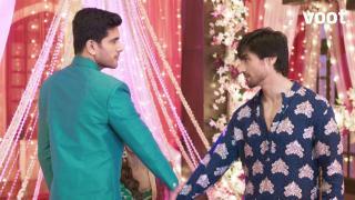 Aditya gatecrashes Zoya's wedding