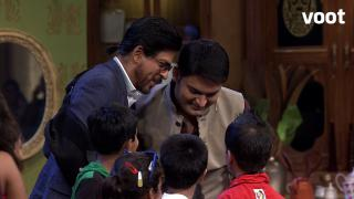 SRK and Deepika does lungi dance on CNWK