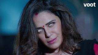 Paridhi is possessed!