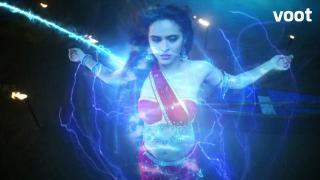 Chandrakanta receives magical powers!