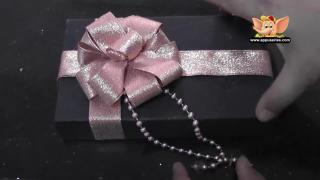 Make a Pretty Gift Box Decor (1)