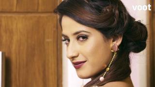Tara disguises as Aarohi!