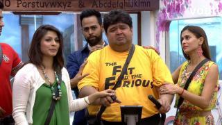 Verbal spat between Armaan, Kushal and Gauhar