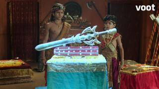 Ashoka gets attracted to a sword