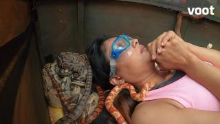 Shweta gets buried with snakes