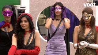 The housemates turn into Superheroes