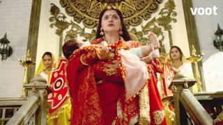 Will Maa Kusum Sundari return Gayatri's child?