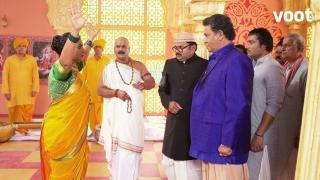 Thakur stops the dance class