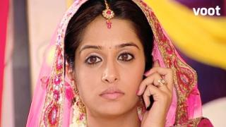 Bhardwaj family is tricked by Roli.