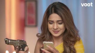 Zoya finds evidence of Aditya's innocence