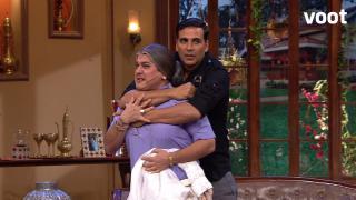 Dadi meets Akshay Kumar
