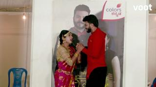 Nidhi attempts to hit on Siddharth