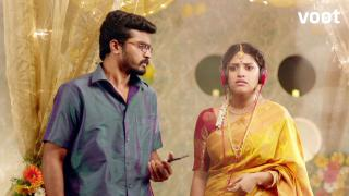 Janani learns about Santhosh's affair